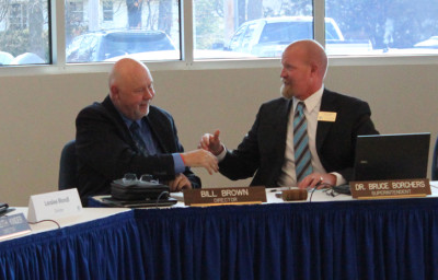 Superintendent Borchers officially signs Oak Ridge contract