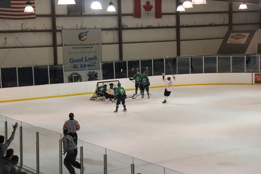Hockey falls to Lafayette, students forced to leave