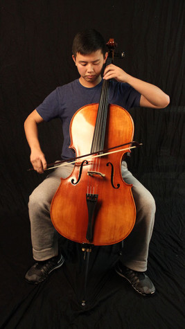 Don't stop the music: Cho performs as principal cellist