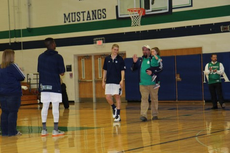 Varsity boys basketball hosts Faculty Night