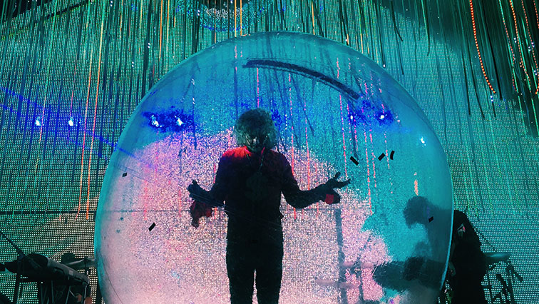 """""""Flaming Lips"""" set The Pageant ablaze in fantastical concert"""