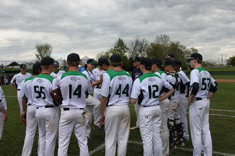 Photo Gallery: Varsity Baseball vs Lindbergh