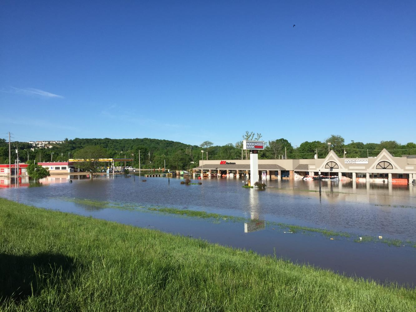 Rains cause record flooding in Eureka. The Meramec River crested at roughly 46 feet, causing RSD to cancel school for four days.